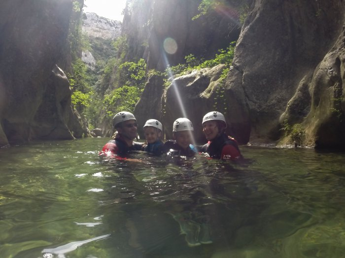 Canyoning Initiation en famille : 1442249276.famille.4.initiation.fred.hp.jpg