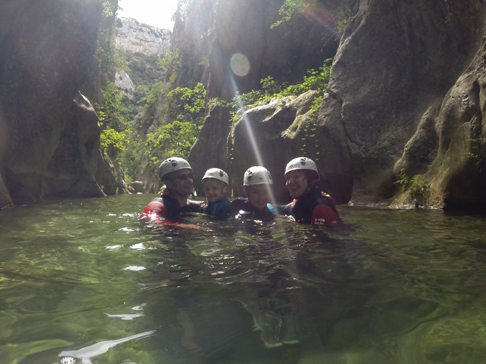 Canyoning Initiation Canyon de galamus : 1442330909.famille.4.initiation.fred.hp.jpg