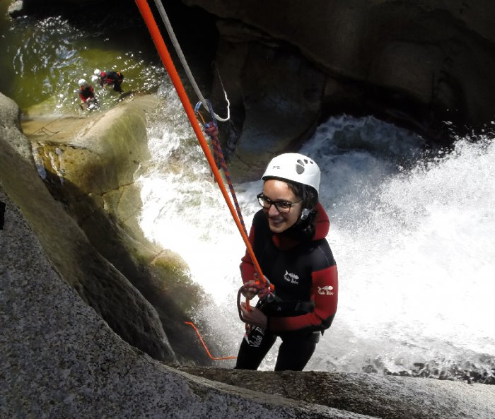 Stages Enfants Canyoning STAGE JEUNE : 1458054517.fille.jpg